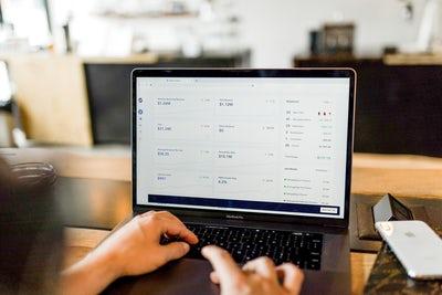Selitveni servis – cenik ugodnih storitev na spletu