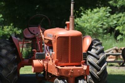 Vrtni traktorji za udobno košnjo vrta